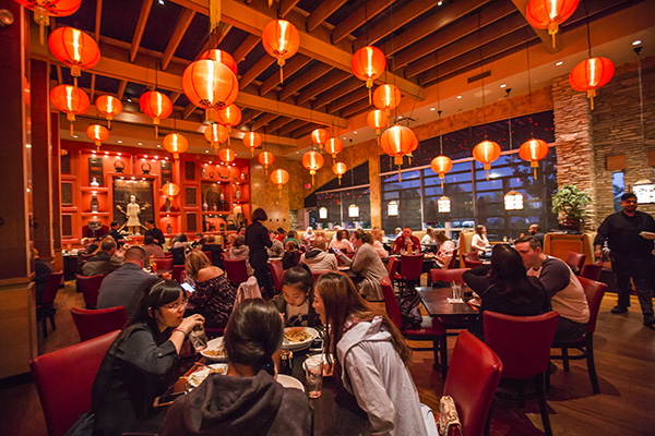 Molly Woo's dining room during dinner service